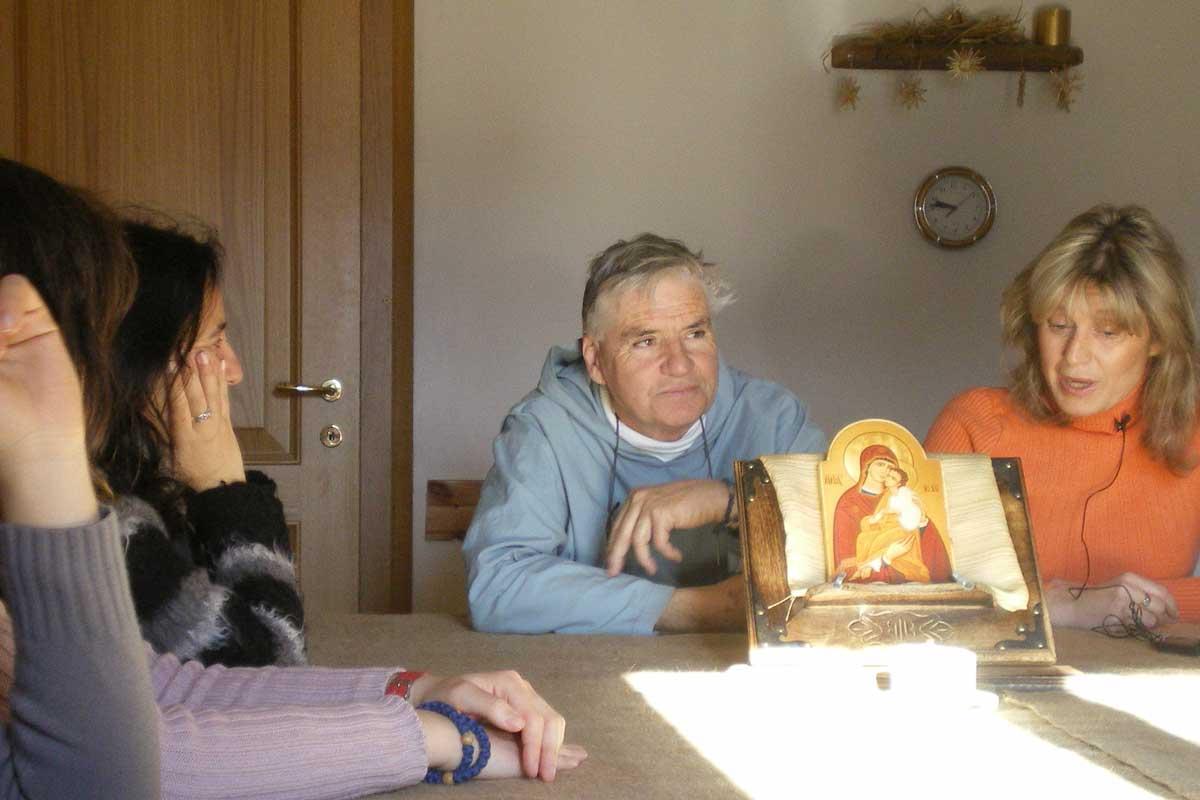 Foto durante un insegnamento alla scuola di evangelizzazione