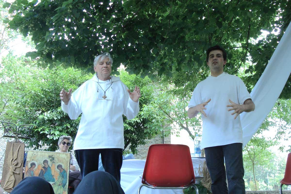 Padre Daniel Ange e don Gianni Castorani insieme